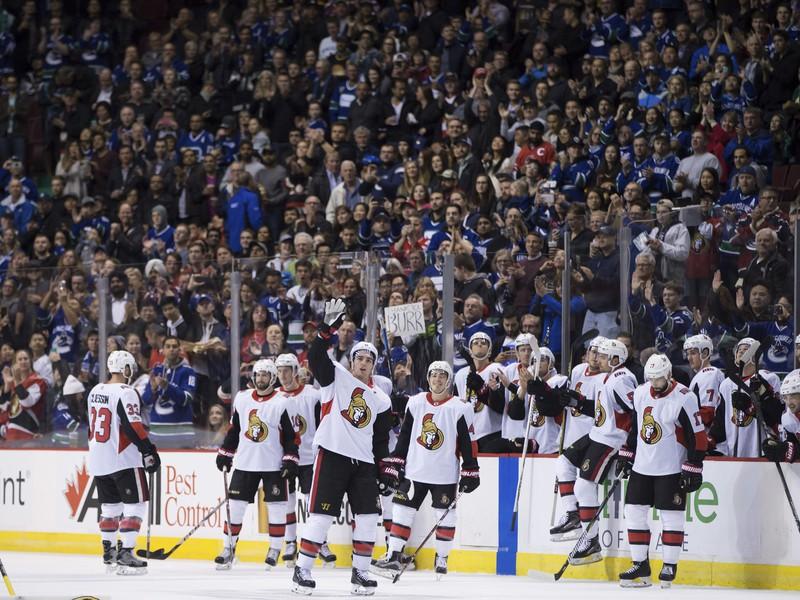 Radostné oslavy hráčov Senators