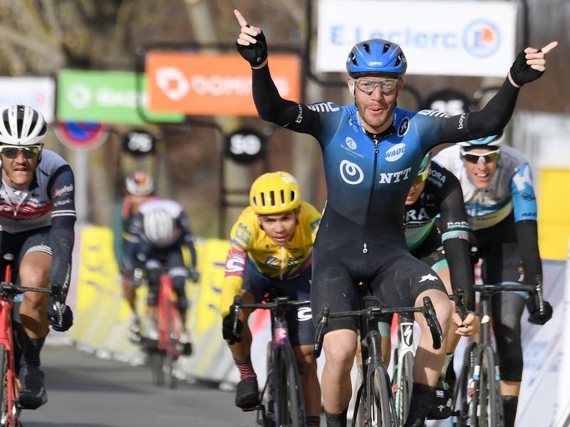 Giacomo Nizzolo ovládol 2. etapu Paríž-Nice