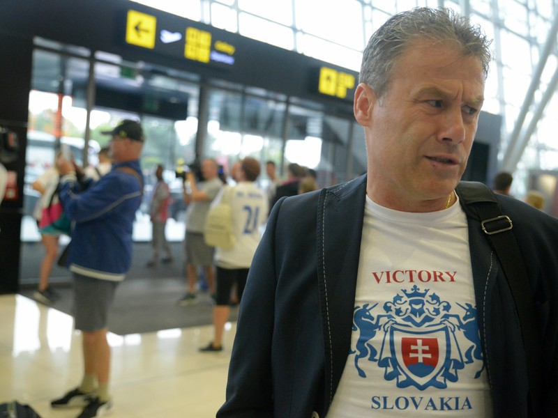 Tréner slovenskej reprezentácie do 21 rokov Pavel Hapal po prílete z Majstrovstiev Európy do 21 rokov v Poľsku na letisko M.R. Štefánika v Bratislave
