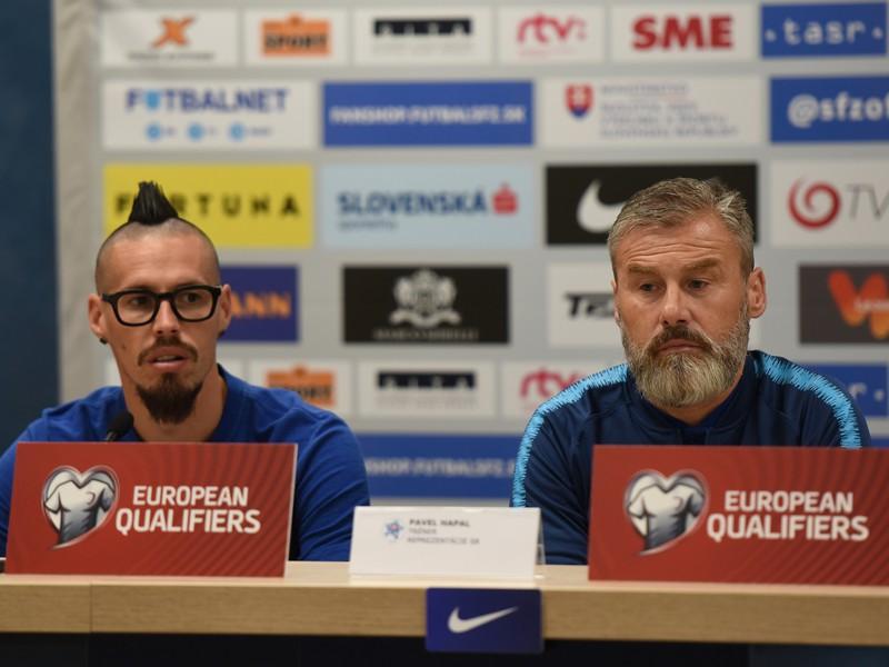 Marek Hamšík a Pavel Hapal na tlačovej konferencii pred kvalifikačným zápasom na EURO 2020 Slovensko - Wales