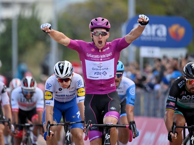 Sagan skončil v 11. etape tesne za Demarom