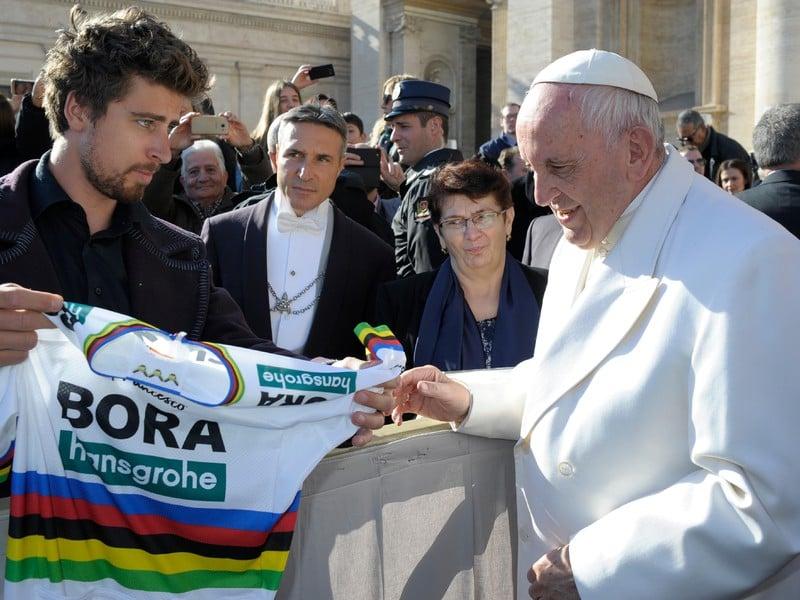 Peter Sagan sa stretol s pápežom Františkom