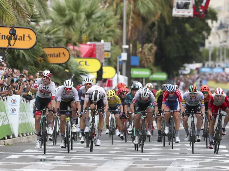 Peter Sagan a spol. v záverečnom špurte prvej etapy