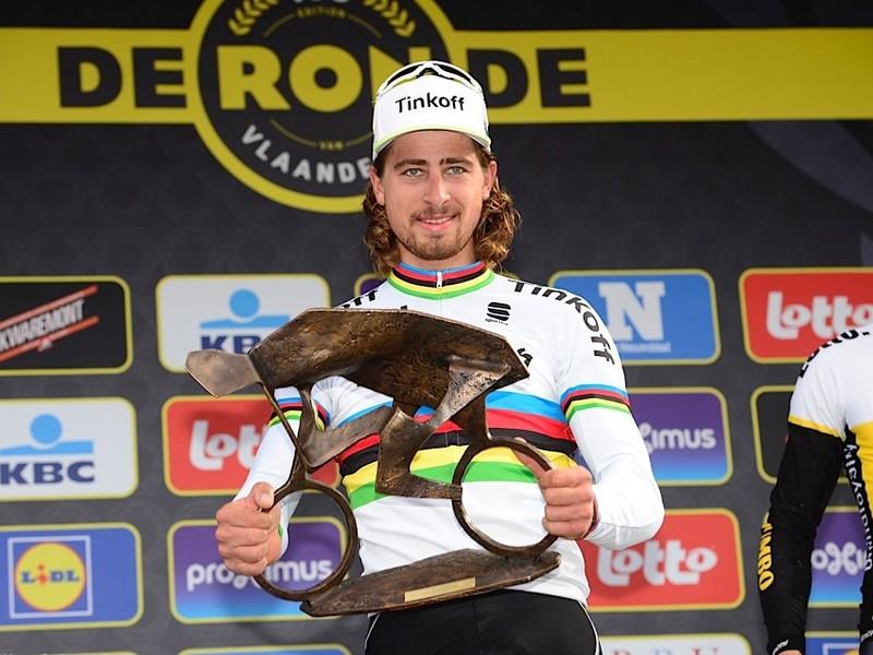 Peter Sagan po famóznom výkone vyhral jubilejné 100. preteky Okolo Flámska