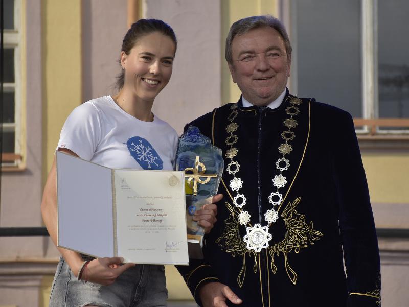 Petra Vlhová a primátor Liptovského Mikuláša Ján Blcháč