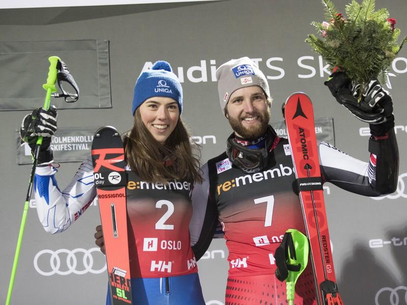 Víťazi paralelného slalomu Petra Vlhová a Marco Schwarz