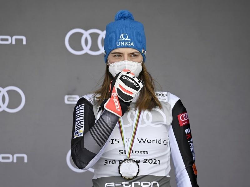 Petra Vlhová obsadilo v slalom SP konečné 3. miesto
