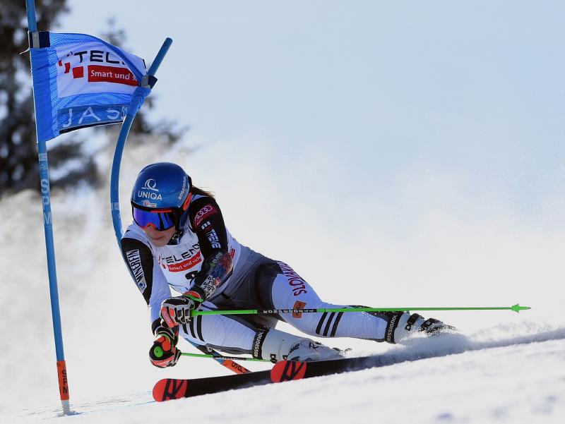 Petra Vlhová na trati počas 1. kola obrovského slalomu v Jasnej