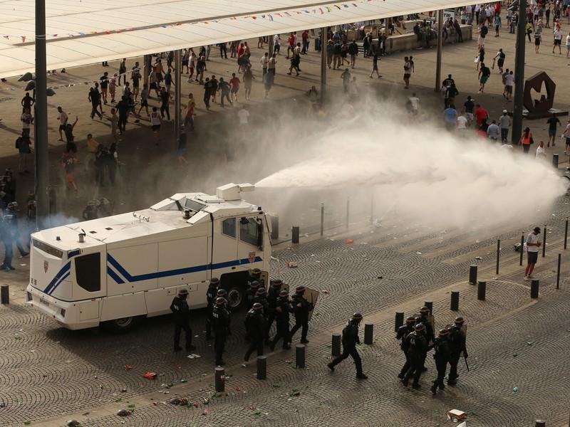 Pri bitke fanúšikov zasahovala polícia