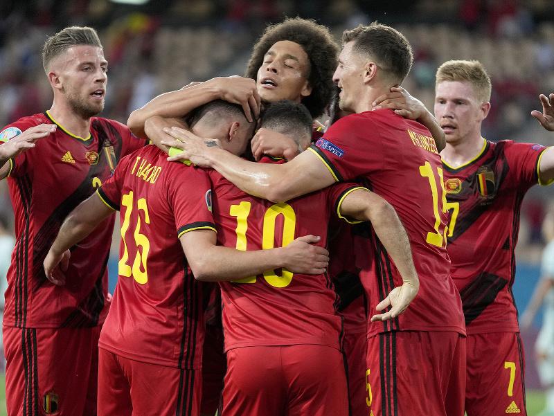Radosť belgických hráčov po góle