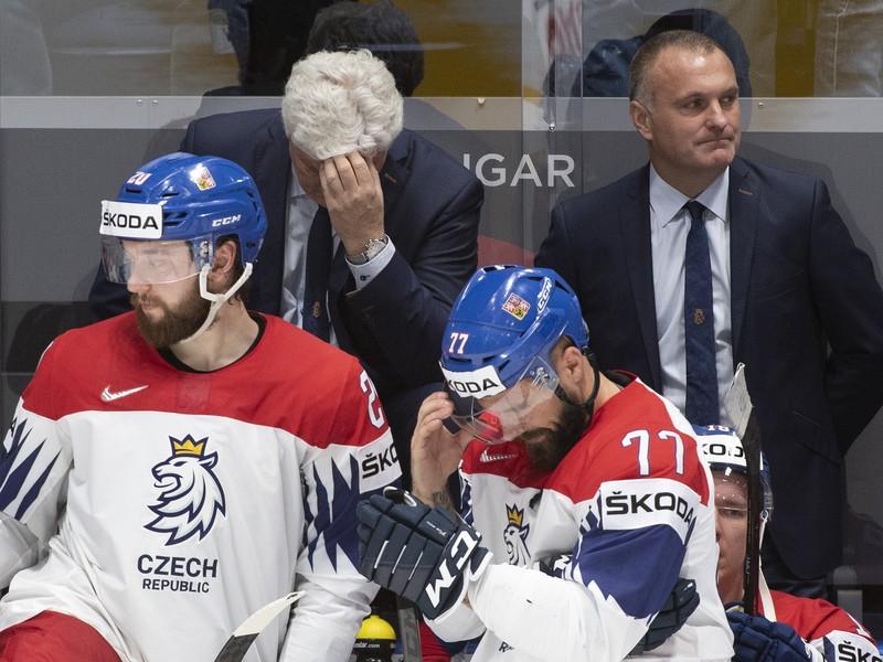 Na snímke striedačka Česka po prehre s Ruskom