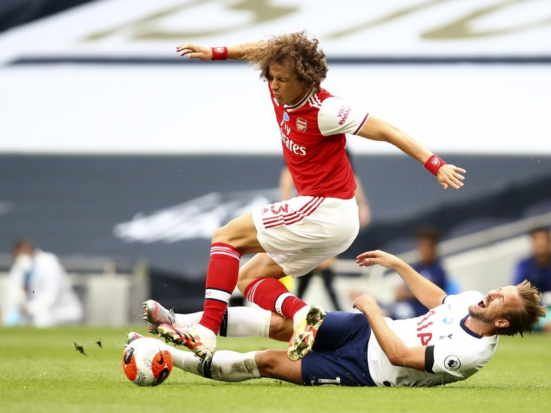 David Luiz a Harry Kane