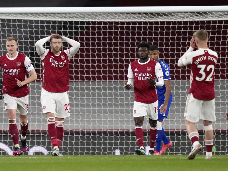 Futbalisti Arsenalu Londýn po inkasovaní gólu