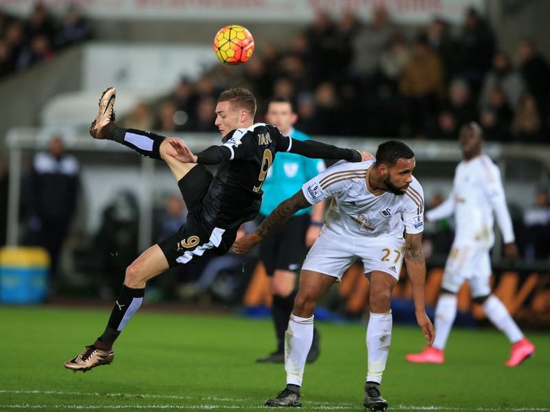 Jamie Vardy svoju famóznu šnúru nenatiahol, Leicester je aj tak na špici