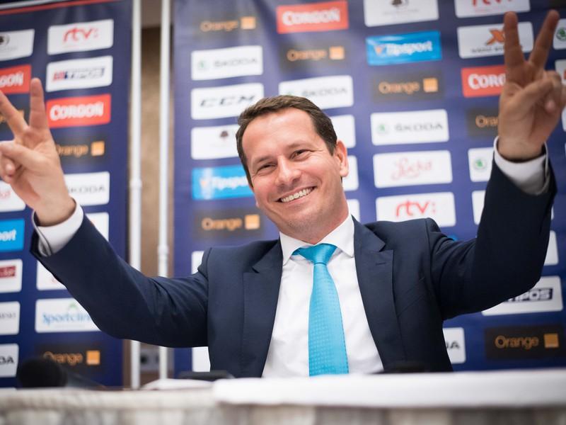 Nový hokejový prezident Martin Kohút. Zvolili ho už v júni, voľby trvali do polnoci.
