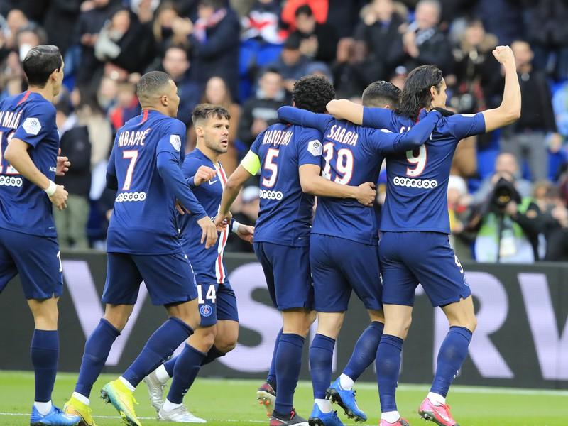 Hráči PSG sa radujú z gólu v Parku Princov