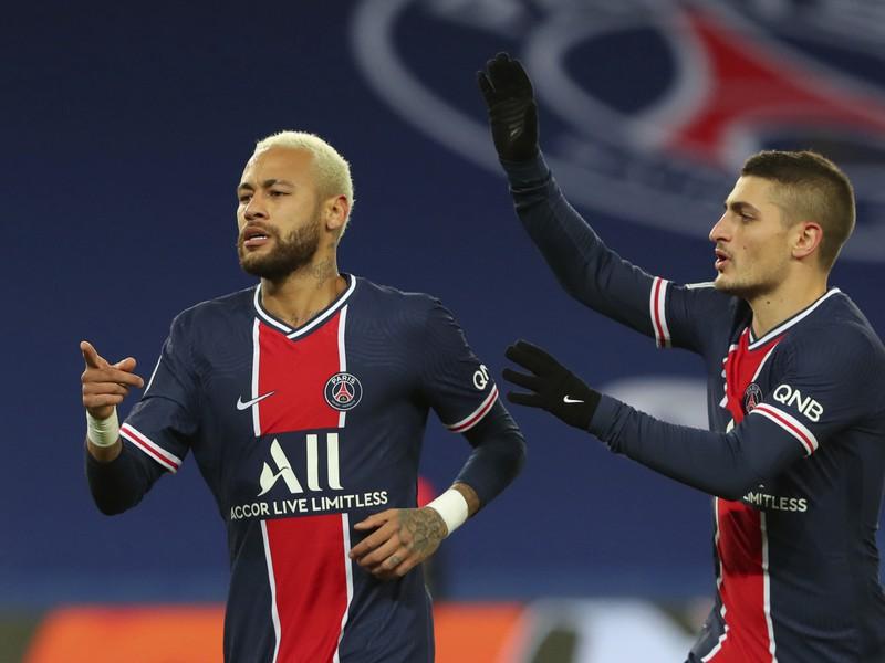 Hráči PSG oslavujú gól