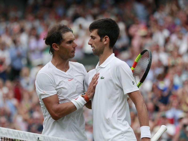 Rafael Nadal a Novak Djokovič po päťsetovej semifinálovej bitke