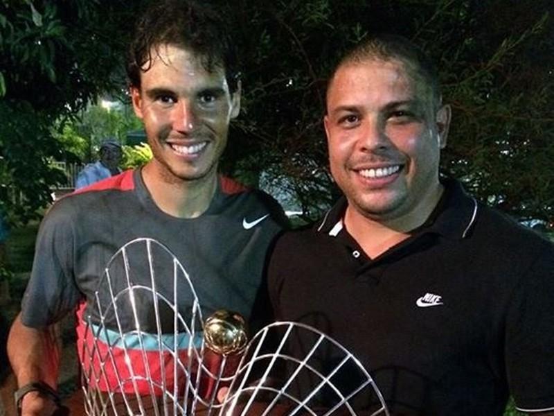 Rafael Nadal (vľavo) oslavoval s Ronaldom