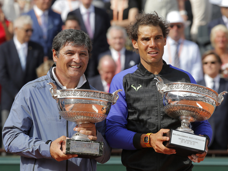 Španielsky tenista Rafael Nadal a jeho strýko Toni Nadal