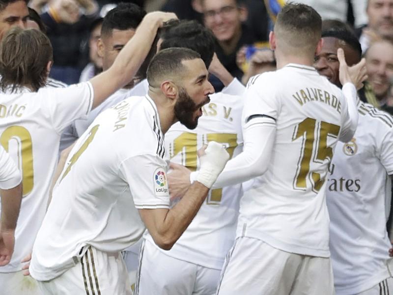 Hráči Realu oslavujú po strelenom góle