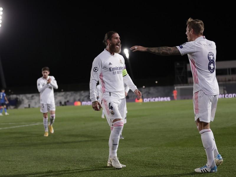 Sergio Ramos a Toni Kroos sa radujú z gólu