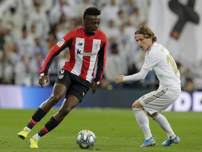 Iňaki Williams a Luka Modrič
