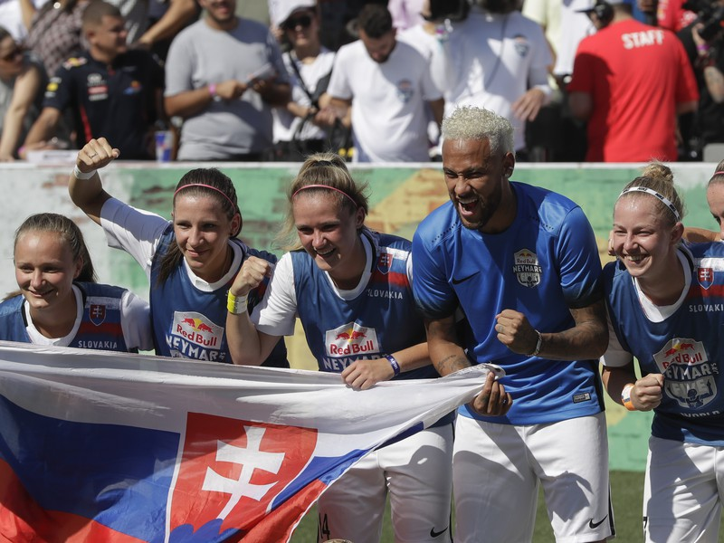 Futbalistky Spartaka Myjava vyhrali turnaj Red Bull Neymar Jr.´s Five