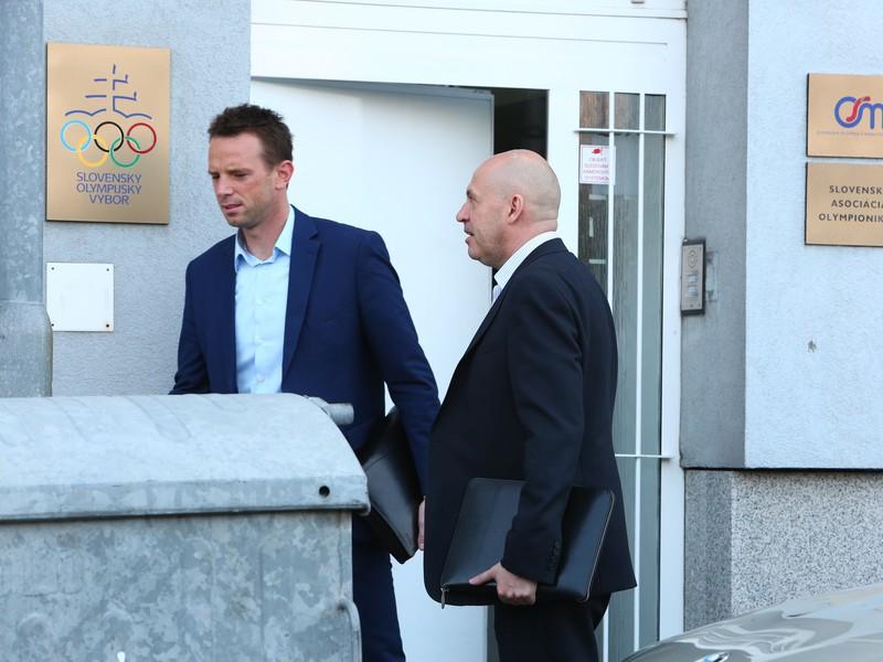 Richard Lintner na tajnom rokovaní v sídle Slovenského olympijského výboru s Antonom Sieklom, ktorý je mimoriadne vplyvným medzi boxermi či karatistami