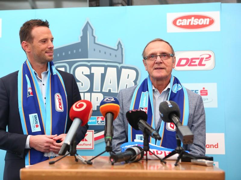 Richard Lintner a Ján Filc, ktorý bude trénerom výberu slovenskej hokejovej Tipsport ligy na exhibícii All Star Cup 2018