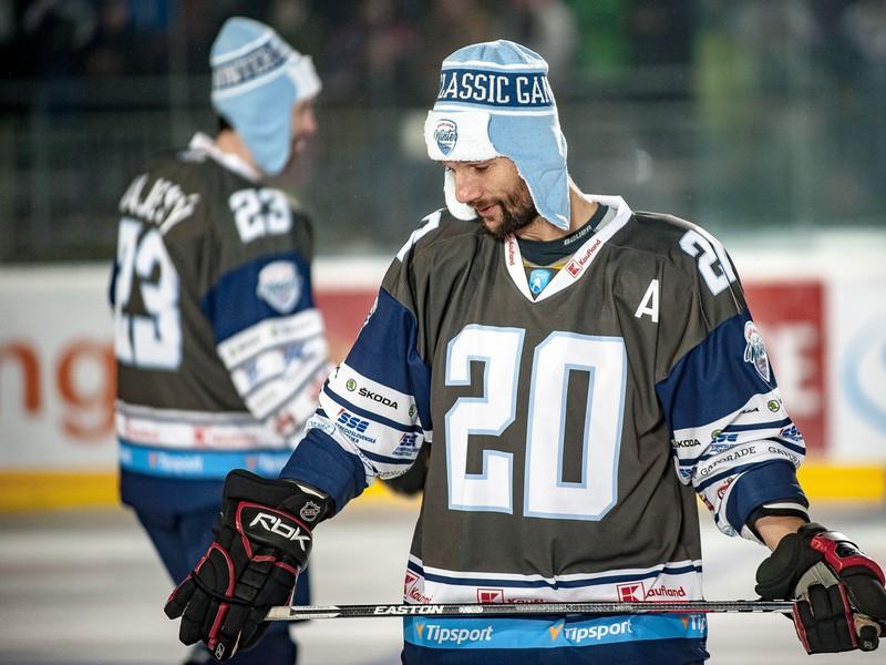 Richard Zedník počas súboja legiend na hokejovom podujatí Kaufland Winter Classic Games 2019 v Banskej Bystrici