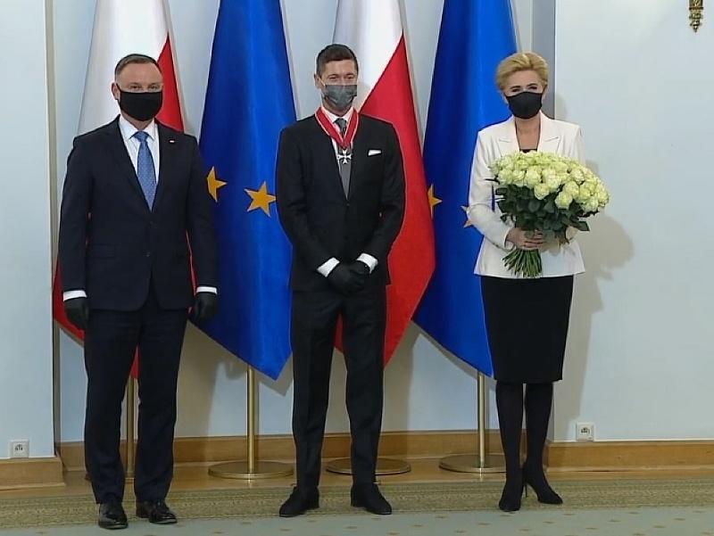 Robert Lewandowski si prevzal vyznamenanie Rad znovuzrodeného Poľska,