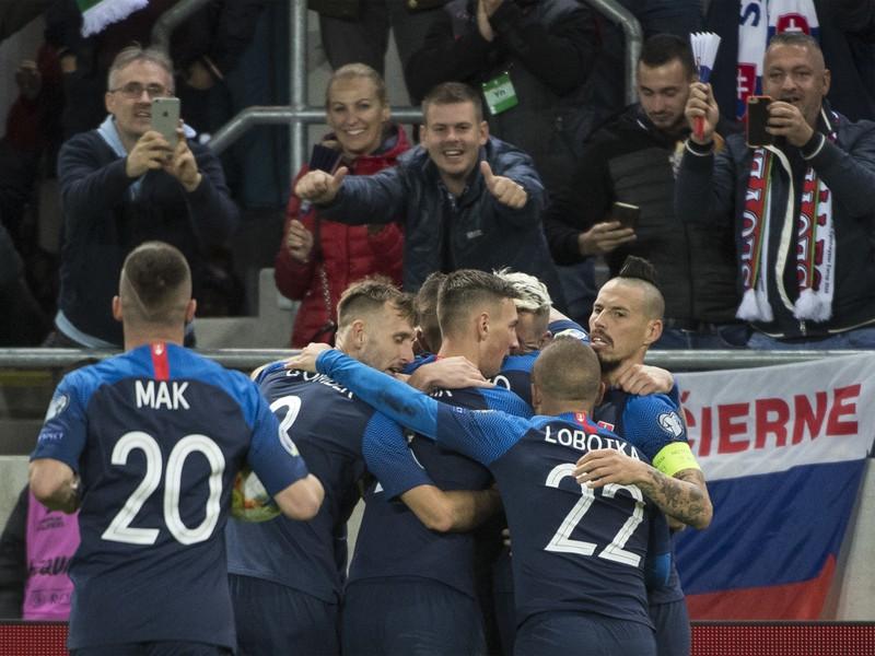 Radosť shráčov Slovenska po vyrovnávajúcom góle