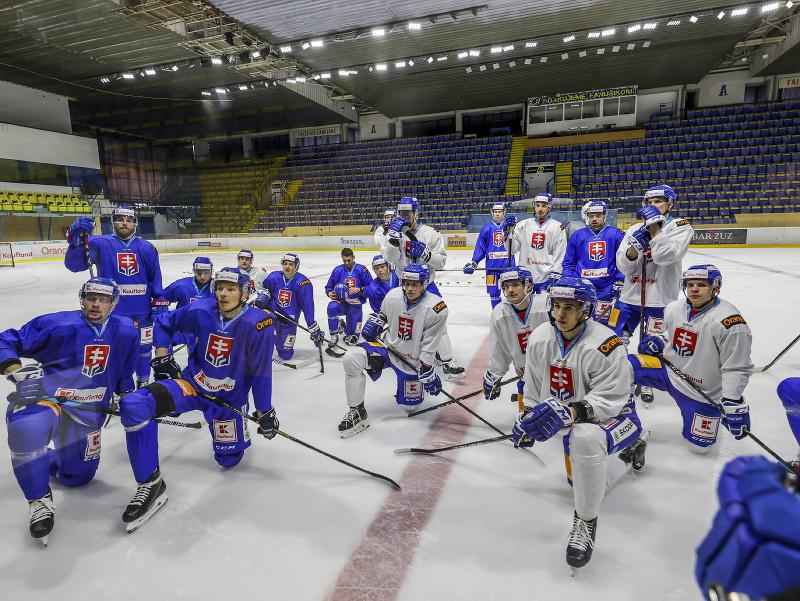 Prvý oficiálny zraz slovenskej hokejovej reprezentácie pred MS v Rige