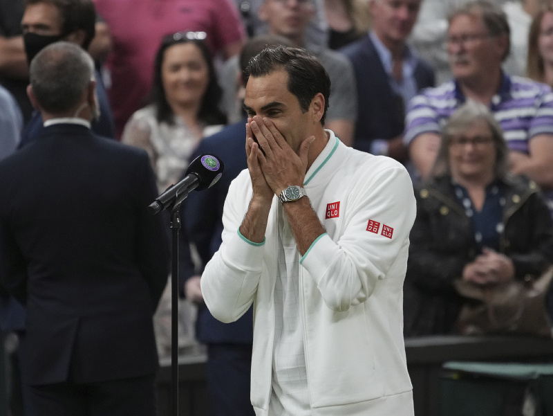 Oslavujúci Roger Federer