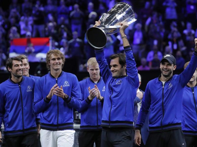 Tím Európy s trofejou pre víťaza Laver Cupu