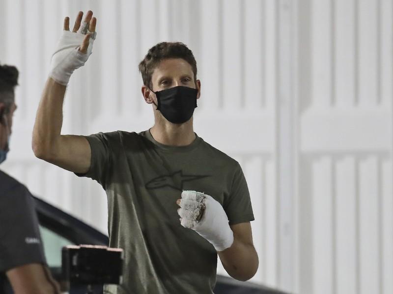 Romain Grosjean sa stretol so svojimi záchrancami