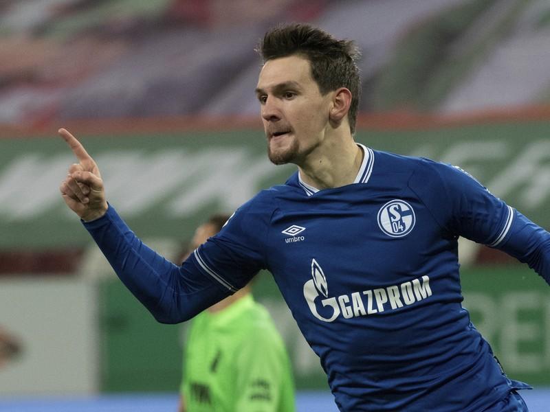 Benito Raman oslavuje gól Schalke
