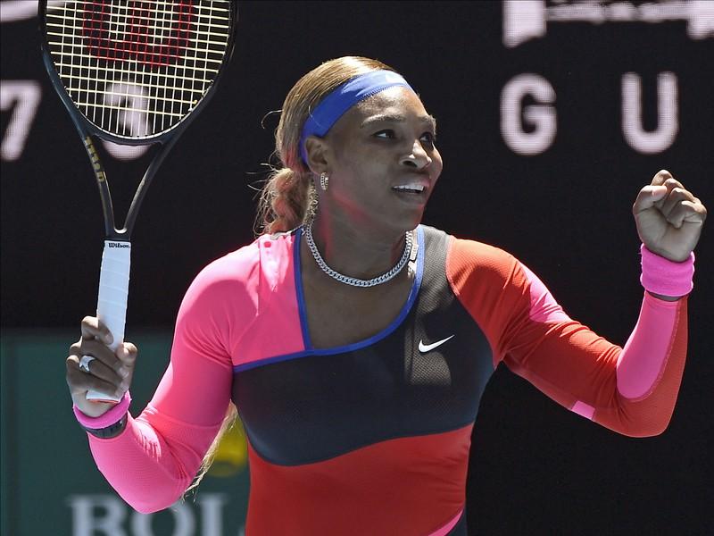 Americká tenistka Serena Williamsová postupuje ďalej