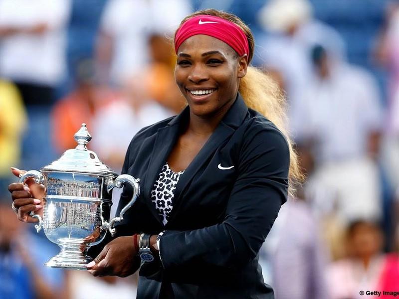 Serena Williamsová s trofejou US Open