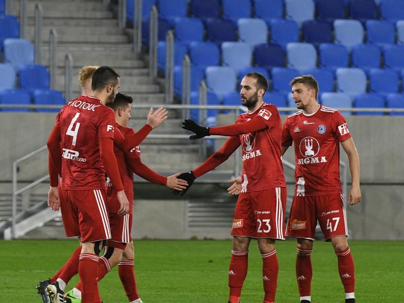 Radosť hráčov SK Sigma Olomouc po strelenom góle