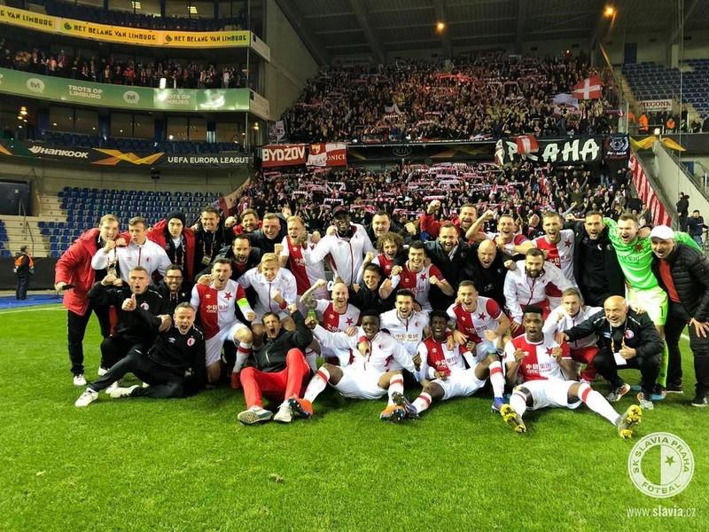 Hráči Slavie Praha sa radujú z víťazstva