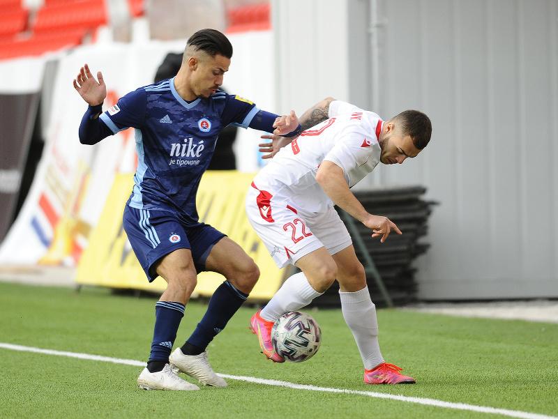 Sprava: Adrián Slávik z AS Trenčín a Mohammed Rharsalla z ŠK Slovan Bratislava