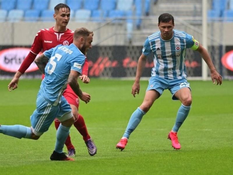 Slovan remizoval v príprave so Senicou