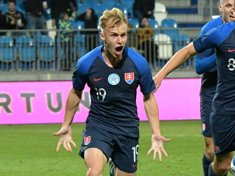 Radosť Petra Kolesára po góle v kvalifikačnom zápase s Gruzínskom