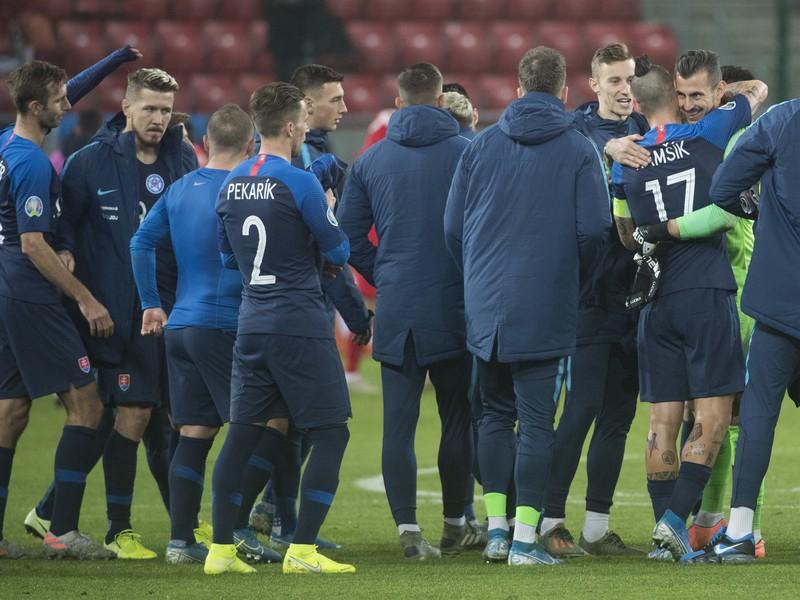 Slovenskí reprezentanti po víťazstve 2:0 v zápase 10. kola skupiny E kvalifikácie EURO 2020 Slovensko - Azerbajdžan