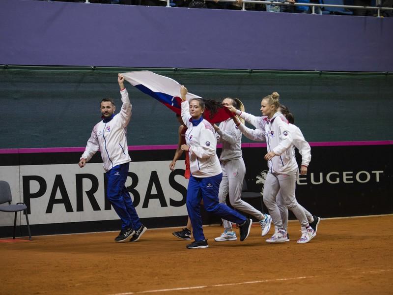 Postupové oslavy fedcupového tímu Slovenska