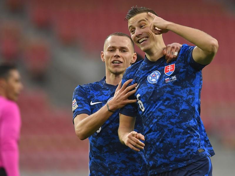 Ján Greguš a Ondrej Duda oslavujú gól