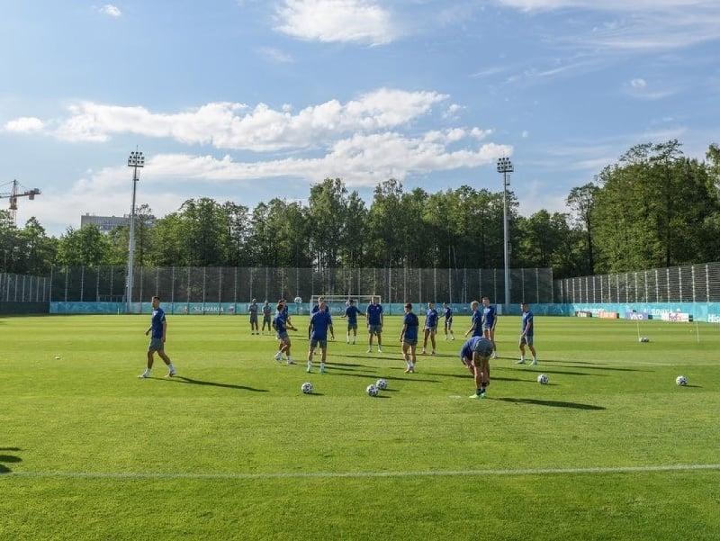 Slovenskí futbalisti absolvovali prvý tréning v Petrohrade