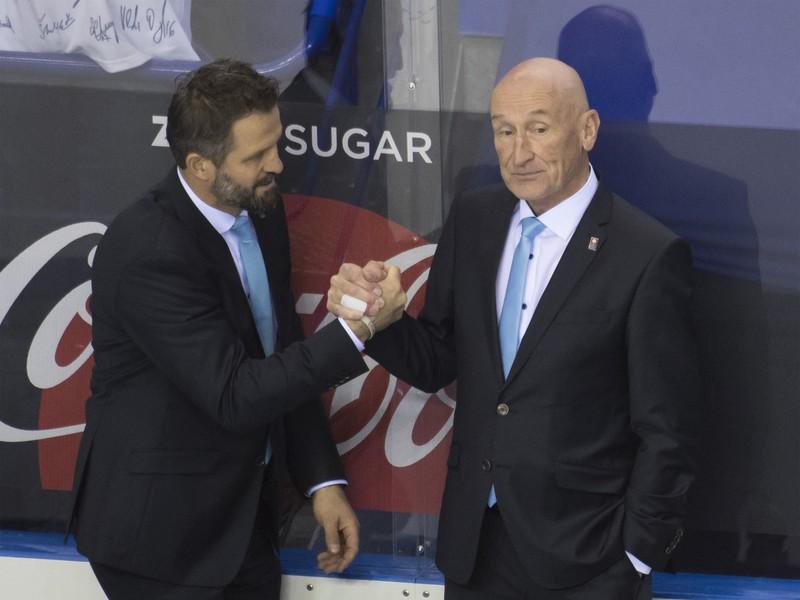 Na snímke sprava tréner Slovenska Craig Ramsay a jeho asistent Róbert Petrovický